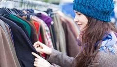 Češi chtějí nakupovat českou módu. Ale nemá ji kdo šít, o řemeslo není zájem