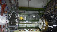 CERN uvede do chodu největší urychlovač na světě