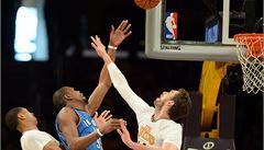 Lakers v NBA zaskočili favorita, Denver s Veselým v sestavě prohrál