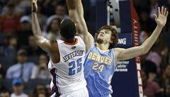 Clippers v NBA znovu vyhráli, Denver s Veselým neuspěl