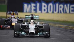 Kvalifikaci F1 v Austrálii vyhrál Hamilton, šampion Vettel selhal