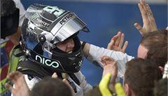 Rosberg vyhrál první závod sezony F1 v Melbourne, Vettel odstoupil