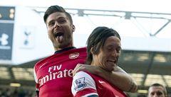 Liverpool dal United tři góly, Rosický se trefil za Arsenal v derby