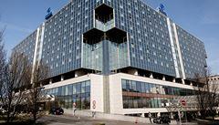 V prezidentském apartmá pražského Hiltonu zatkli Íránce. Kvůli podvodům za 2,3 miliardy