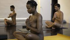 Nahá jóga je především o uvolněnosti a svobodě, ne o nahotě