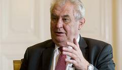 Zeman pochválil vládu za valorizaci penzí a porodné