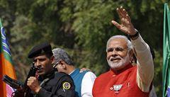 Volby v Indii? Kandidují i politici obvinění z vraždy, popisuje indolog