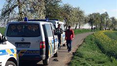 Mladík a muž nalezení u Uhříněvsi byli taxikáři. Policie varuje ostatní