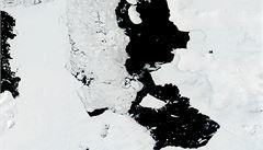 Na Antarktidě se odtrhla obrovská ledová kra