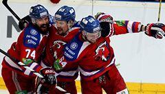 Lev před rekordní návštěvou přetlačil Magnitogorsk a ve finále opět vede