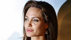 Angelina Jolie má neštovice a nepřijde na premiéru filmu Nezlomní