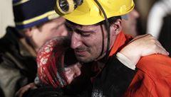 274 mrtvých po výbuchu dolu v Turecku. O životy horníků bojují záchranáři