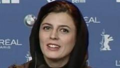 Žena má být symbol cudnosti, kritizuje Írán herečku za polibek v Cannes