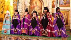 Ruská církev sklidila za kritiku 'ohavné' vousaté zpěvačky výsměch