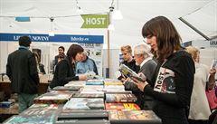 Svět knihy: pouťový nevkus, nebo plodná setkání se čtenáři?
