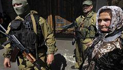 Co naděláme proti kalašnikovům? stěžují si na anarchii lidé v Doněcku