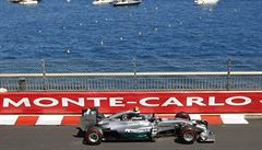 Další double pro Mercedes. V ulicích Monte Carla vládl Rosberg