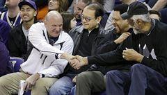 LA Clippers koupí od Sterlinga za dvě miliardy dolarů exšéf Microsoftu