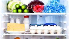 Jak přežít v práci? Pět triků, jak uchránit potraviny ve společné lednici