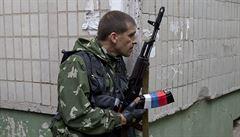 Až 500 mrtvých v bojích u Slavjanska. Turčynov ohlásil 'vyčištění' okolí Doněcka