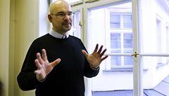 Náměstek Štern se kvůli tendru na náramky obrátil na protikorupční policii