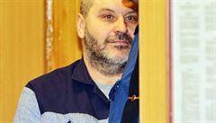 Proč kmotr Novák zůstává za mřížemi? Místo aby šel do vězení, letěl do USA