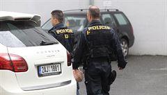 Co vám o víkendu uniklo: policejní blamáž i shoda Babiše s Kalouskem