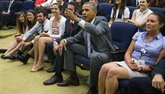 Obama sledoval fotbal v Air Force One. Pak zavolal hvězdám týmu
