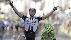 První etapu Tour ovládl Kittel, Cavendish spadl a možná končí