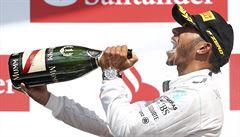 Velkou cenu Británie vyhrál Hamilton, lídr Rosberg závod nedojel