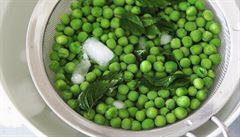 Zkuste hráškovou polévku na ledu a bleskové hráškové lívanečky