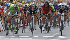 Na Tour rozhodovaly centimetry. Sagana ve spurtu pokořil Trentin