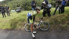 Další favorit na Tour končí. Contador po pádu ve sjezdu vzdal závod