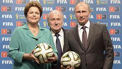 Příští hostitelé fotbalu: Rusko se bojí bankrotu, Katar hledá tým