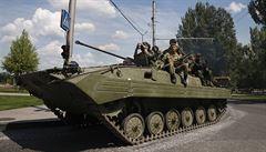 Máme nové posily z Ruska, pochvaloval si šéf doněckých separatistů