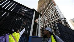 Tisíce squatterů musí opustit mrakodrap v Caracasu - nejvyšší slum světa