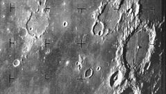 Před 50 lety dostali Američané první snímky povrchu Měsíce