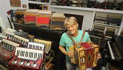 BYZNYS ŽIJE: Pro tradiční harmoniky z Budějovic si jezdí lidé z celého světa