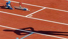 Absurdita. V Číně vybudovali atletickou dráhu ve tvaru obdélníku