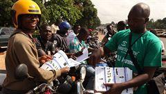Více než 700 obětí eboly. USA vyšlou do západní Afriky na 50 expertů