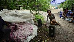 Zničená města a hrozba záplav. Zemětřesení zabilo přes 400 Číňanů
