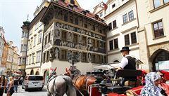 Praha otáčí. Dům u orloje vrací firmě spojované s Janouškem