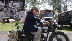 70 let poté: Čechoslovák usedl u Dunkerquu na válečný motocykl a vzpomínal