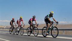 Bouhanni vítězí jako na Giru. Po druhé etapě vede Vueltu Valverde