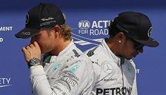 Válka v Mercedesu. Rosberg řekl, že mě vyřadil schválně, zuří Hamilton
