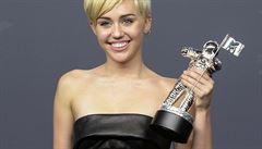 Hlavní cenu MTV získala Miley Cyrus se skandálním klipem