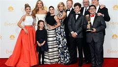 Taková moderní rodinka letos získala pátou Emmy. Uspěl i seriál Sherlock