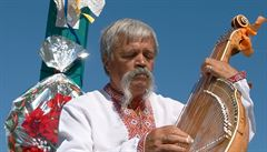 V Rumunsku oživují tradici hry na kobzu