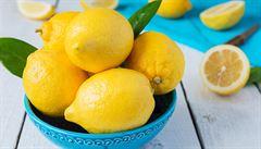 Citron v kuchyni? Omytí plodu nemá téměř žádný smysl, říká chemik