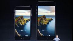 Apple představil nové telefony iPhone. Mají větší displej